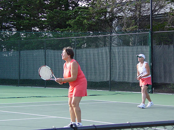 2005-06-13_tennis p and m ready2.jpg