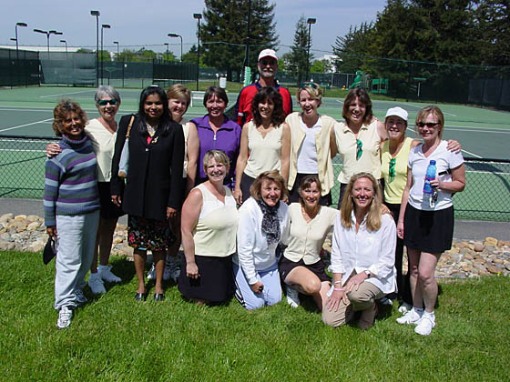 2005-06-13_tennis team winners2.jpg